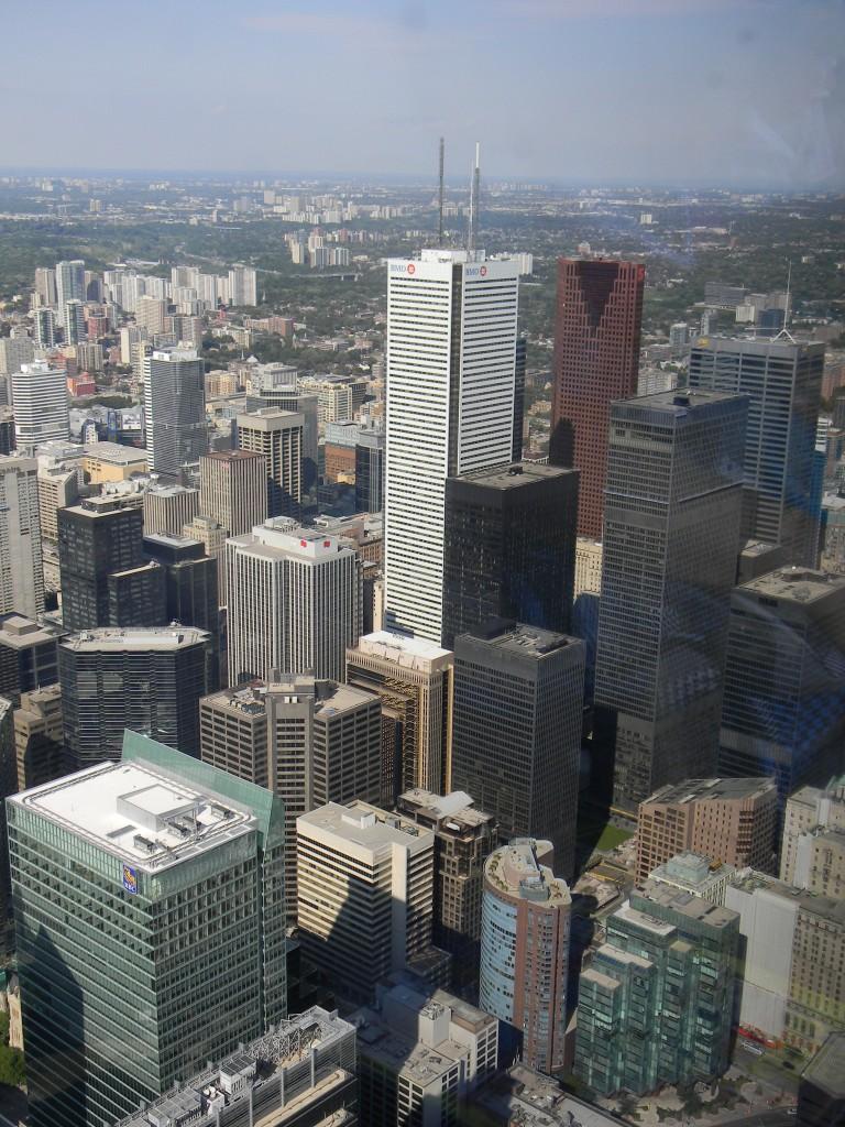 Desde la torre CN los rascacielos de Toronto no parecen tan altos - Foto Carmen Silveira