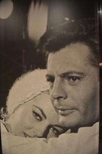 """Costa Fascinosa: Otro panel de """"La dolce vita"""". Aquí Marcello y Silvia, interpretada por Anita Ekberg . Foto de archivo"""